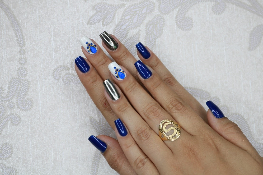 Unhas decoradas para festas de final de ano